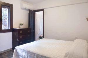 7.Camera da letto con bagno privato e vista giardino